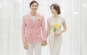 """Cặp đôi """"Ghét thì yêu thôi"""" biến hóa đa phong cách trong bộ ảnh cưới đậm chất Hàn Quốc"""
