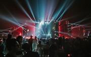 """Chùm ảnh đẹp: Huyền thoại Above & Beyond cùng dàn DJ đình đám """"thổi bùng"""" không khí đại nhạc hội EDM tại Hà Nội"""