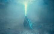 """Khạc lửa chỉ thiên """"thả thính"""" bật tung năng lượng, """"vua của các quái vật"""" Godzilla gây không ít tò mò"""