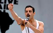 """Thủ lĩnh huyền thoại ban nhạc Queen tái sinh đầy xúc động trong """"Bohemian Rhapsody"""""""