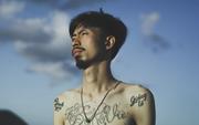 """Rapper Đen tung MV cho ca khúc gửi thông điệp """"tôi chỉ là người bình thường, không muốn làm thần tượng"""""""