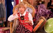 """""""Ma xó"""" Peik Lin trong """"Crazy Rich Asians"""": Đứa bạn thân mà ai cũng ao ước sở hữu trong đời"""