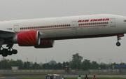 Phi công Ấn Độ hạ cánh bằng tay cứu sống 370 hành khách