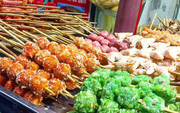 Có một thiên đường ăn uống trong khu Bách Khoa cực nhiều món mà toàn dưới 15k