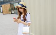 Dùng điện thoại thường xuyên hãy nhớ kỹ 4 điều này để không làm tổn hại da mặt