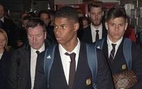 Dàn sao Man Utd về nhà với gương mặt 'đưa đám'