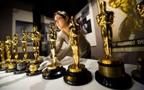 Bức tượng vàng Oscar danh giá là vậy nhưng giá trị thật của chúng là bao nhiêu?