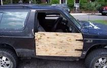 """16 màn sửa chữa ô tô có vẻ """"ngã cây"""" nhưng khá hiệu quả"""