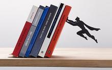 Giá sách siêu anh hùng nhỏ gọn thích hợp với không gian chật hẹp