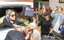 Fan Việt mừng rỡ đón Rita Ora và Lucky J chất lừ tại sân bay