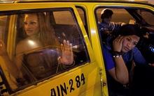 Chùm ảnh: Cuộc sống tăm tối của những phụ nữ chuyển giới buộc phải hành nghề mại dâm