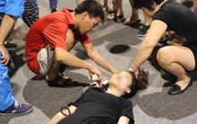 Hà Nội: Đi xe điện cân bằng ở phố đi bộ, cô gái 18 tuổi ngã đập đầu xuống đất bất tỉnh