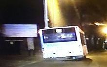 Ăn cắp xe buýt rồi điên cuồng tháo chạy ngay trước mặt cảnh sát