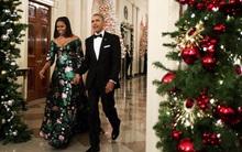 Bà Michelle cực xinh đẹp, sánh đôi cùng ông Obama tới dự lễ trao giải Kennedy Center Honors 2016