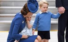 Hoàng tử nhí Anh Quốc cùng em gái nổi bật tại sân bay trong chuyến thăm Canada với cha mẹ