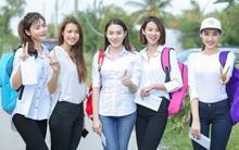 """Các """"thiên thần áo trắng"""" team Hồ Ngọc Hà dốc tâm sức cho buổi từ thiện"""
