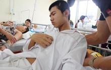 Dựng lều bán nước ở Hà Nội, nam thiếu niên bị nhóm côn đồ truy sát, chém trọng thương