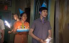 Sinh nhật đặc biệt của chàng trai nghèo được tổ chức bởi gia đình người bạn thân