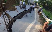 Clip: Hoảng hồn vết nứt lớn khổng lồ bất ngờ xuất hiện trên quốc lộ 32C ở Yên Bái
