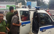 Bắt 2 đối tượng móc túi trong lễ tang Minh Thuận