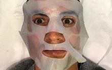 """Ronaldo """"nhát ma"""" fan với ảnh đắp mặt nạ làm đẹp"""