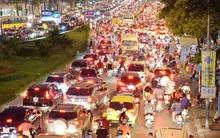 Chùm ảnh: Tắc đường nghiêm trọng vào giờ tan tầm ở Hà Nội