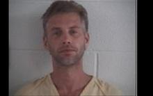 Cuộc gọi cầu cứu 911 rùng rợn và 3 thi thể phụ nữ được tìm thấy trong nhà kẻ bắt cóc