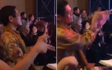 """SNSD biểu diễn, fan phát hiện sao """"táo bút"""" nhảy say sưa theo phía dưới"""