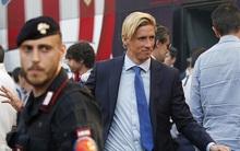 Torres lạnh lùng đổ bộ Milan cùng đồng đội