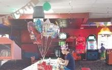 Cô gái tổ chức tiệc sinh nhật 18 tuổi nhưng chẳng ai đến dự