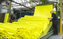 Bên trong nhà máy sản xuất những quả bóng tennis Wimbledon huyền thoại