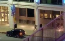 Khoảnh khắc kinh hoàng viên cảnh sát bị tay súng bắn 4 phát vào lưng và tử vong tại chỗ