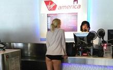 Cô gái gây sốc khi mặc nội y ra sân bay làm thủ tục check in
