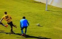 """Thích """"làm màu"""", con trai Zidane rê bóng trước mặt tiền đạo đối phương và kết cục hài hước"""