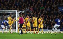 Lukaku lập siêu phẩm đá phạt trong trận hòa 1-1 giữa Everton và Crystal Palace