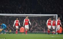 """Arsenal thua """"vỡ mặt"""" trước Southampton, chia tay Cúp Liên đoàn"""