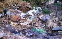 Cận cảnh hiện trường vụ sạt lở núi kinh hoàng vùi 7 người