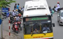 Clip: Đường càng đông thì lại càng hãi hùng xe bus lạng lách, vượt ẩu!