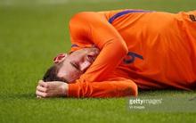 Sao Ngoại hạng Anh mất trí nhớ sau pha va chạm với đối thủ