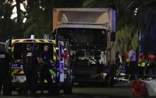 Tấn công khủng bố lao xe tải vào đám đông trong ngày Quốc khánh Pháp, 84 người chết