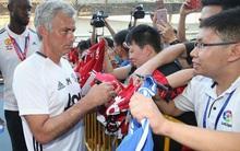 """Mourinho bị gọi là """"Kẻ lừa dối đặc biệt"""" sau khi từ chối ký vào áo Chelsea"""