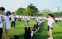 Lần đầu tiên teen 12 Chuyên Nguyễn Huệ Hà Nội được đón Lễ trưởng thành