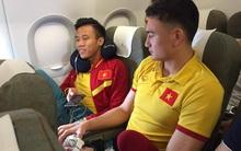 Tuyển Việt Nam sợ hãi khi máy bay chao đảo gần 10 phút