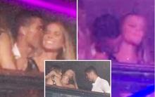 Ronaldo ôm hôn đắm đuối mỹ nhân tóc vàng bí ẩn