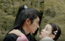 Moon Lovers: Lần đầu gặp gỡ, hoàng tử Lee Jun Ki làm anh hùng cứu mỹ nhân IU