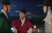 """Moonlight: Thế tử Park Bo Gum """"đánh dấu chủ quyền"""" Kim Yoo Jung, rating chạm mốc 20%"""