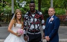 """Bị Balotelli """"phá ngang"""" đám cưới, cô dâu chú rể vẫn """"vui như tết"""""""