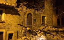 Italy: Động đất 6,2 độ Richter, gần như toàn bộ thị trấn bị phá hủy hoàn toàn