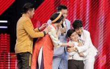 """The Voice Kids: Mặc Đông Nhi và Noo tranh giành, """"cậu bé dân ca"""" vẫn chọn Vũ Cát Tường"""
