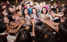 Teen Chu Văn An đang tận hưởng buổi lễ trưởng thành đầy sôi động và cảm xúc trước ngày chia tay!